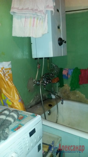 Комната в 3-комнатной квартире (66м2) на продажу по адресу Болотная ул., 2— фото 6 из 11