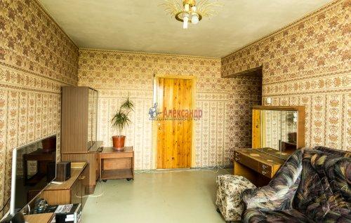 3-комнатная квартира (65м2) на продажу по адресу Купчинская ул., 33— фото 2 из 11