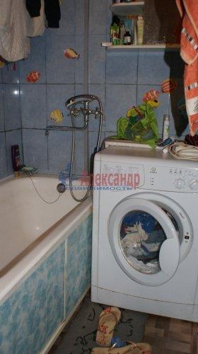 2-комнатная квартира (46м2) на продажу по адресу Кириши г., Ленина пр., 17— фото 1 из 10