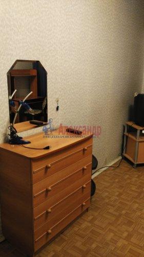 3-комнатная квартира (72м2) на продажу по адресу Обуховской Обороны пр., 144— фото 8 из 11