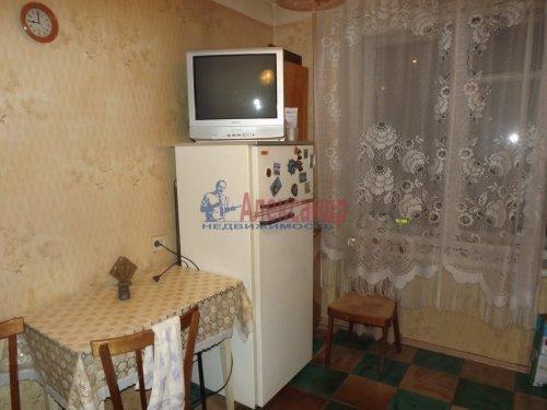 2-комнатная квартира (48м2) на продажу по адресу Генерала Симоняка ул., 1— фото 2 из 7