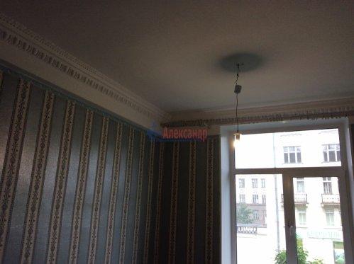 Комната в 10-комнатной квартире (190м2) на продажу по адресу Севастьянова ул., 12— фото 3 из 8