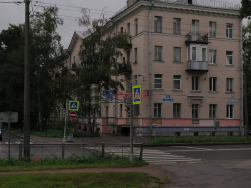 4-комнатная квартира (107м2) на продажу по адресу Коммуны ул., 52— фото 1 из 5