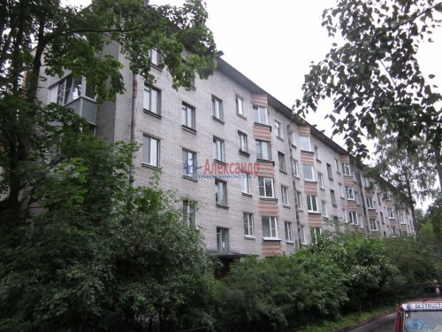 3-комнатная квартира (56м2) на продажу по адресу Пушкин г., Алексея Толстого бул., 17— фото 1 из 6
