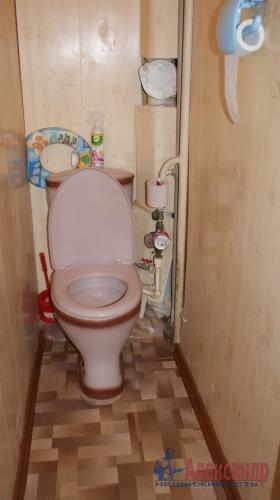 2-комнатная квартира (46м2) на продажу по адресу Кириши г., Ленина пр., 17— фото 2 из 10