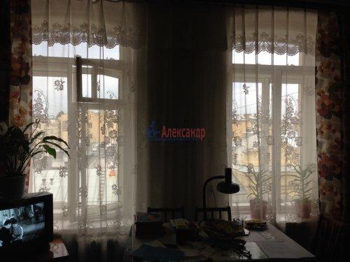 Комната в 7-комнатной квартире (231м2) на продажу по адресу 12 линия В.О., 29— фото 2 из 17