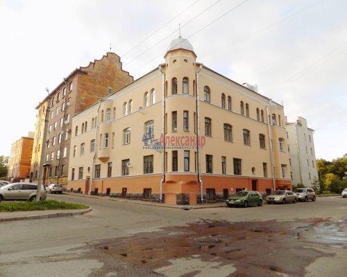 Комната в 3-комнатной квартире (78м2) на продажу по адресу Выборг г., Первомайская ул., 6— фото 1 из 29