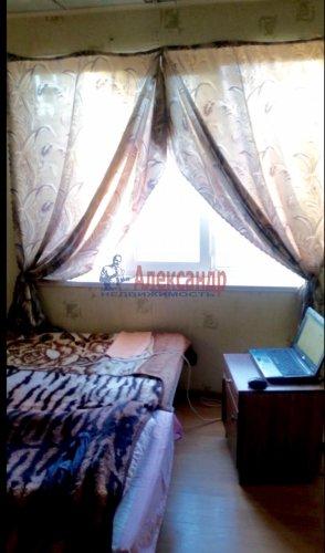 2-комнатная квартира (65м2) на продажу по адресу Володарский пос., Трудовая ул., 17— фото 2 из 19
