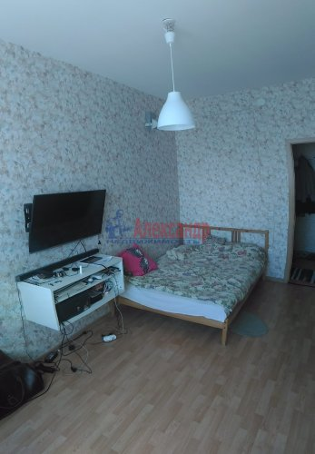 1-комнатная квартира (38м2) на продажу по адресу Мурино пос., Шоссе в Лаврики ул., 83— фото 7 из 14