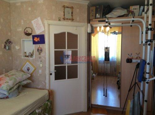 2 комнаты в 4-комнатной квартире (77м2) на продажу по адресу Подвойского ул., 17— фото 6 из 16