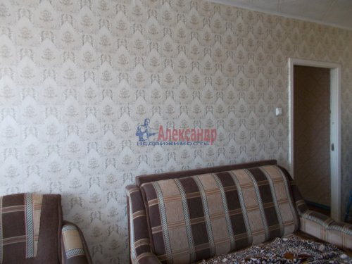 3-комнатная квартира (62м2) на продажу по адресу Тихвин г., 6-й мкр., 6— фото 2 из 3