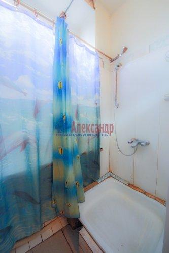 Комната в 9-комнатной квартире (248м2) на продажу по адресу Васи Алексеева ул., 16— фото 9 из 16