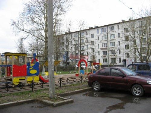 3-комнатная квартира (59м2) на продажу по адресу Шушары пос., Ленсоветовская дор., 3— фото 1 из 11