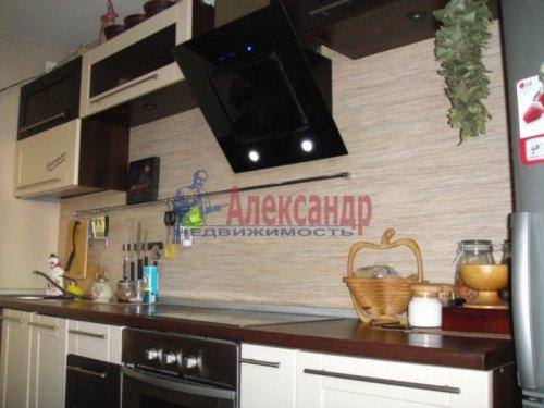 2-комнатная квартира (59м2) на продажу по адресу Свердлова пгт., 1-й мкр., 9— фото 1 из 6