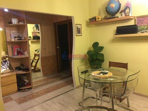 2-комнатная квартира (60м2) на продажу по адресу Пятилеток пр., 9— фото 2 из 19