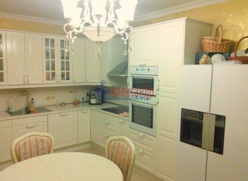 2-комнатная квартира (89м2) на продажу по адресу Выборг г., Сторожевой Башни ул., 17— фото 1 из 11