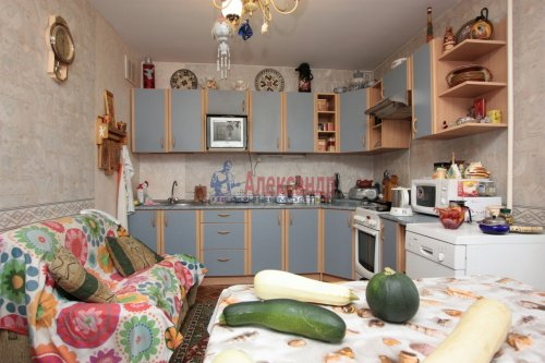 2-комнатная квартира (64м2) на продажу по адресу Тихорецкий пр., 26— фото 1 из 9