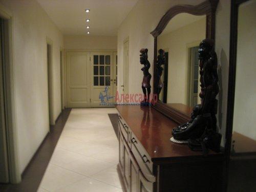 3-комнатная квартира (138м2) на продажу по адресу Пискаревский пр., 37— фото 1 из 24