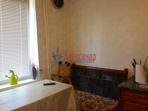 1-комнатная квартира (40м2) на продажу по адресу Гатчина г., Авиатриссы Зверевой ул., 7б— фото 4 из 8
