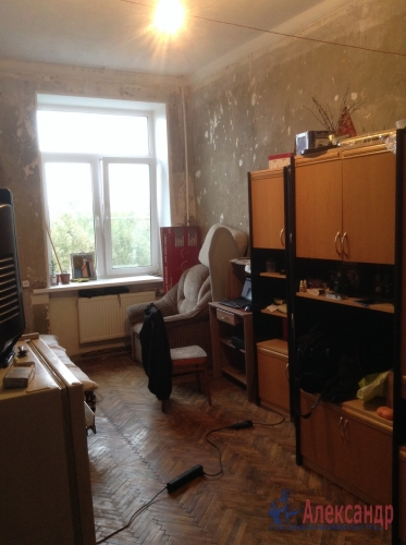 4-комнатная квартира (93м2) на продажу по адресу Полярников ул., 5— фото 9 из 12