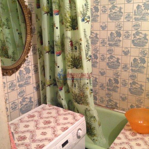 2-комнатная квартира (48м2) на продажу по адресу Маршала Новикова ул., 7— фото 4 из 8