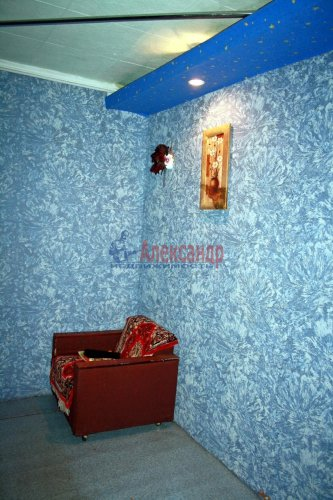 4-комнатная квартира (73м2) на продажу по адресу Раухала пос., Центральная ул., 8— фото 12 из 16
