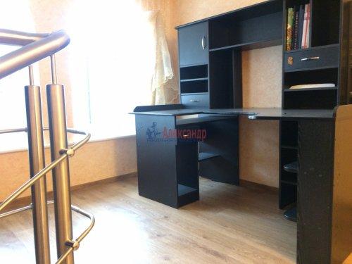 4-комнатная квартира (193м2) на продажу по адресу Ломоносов г., Еленинская ул., 24— фото 12 из 16