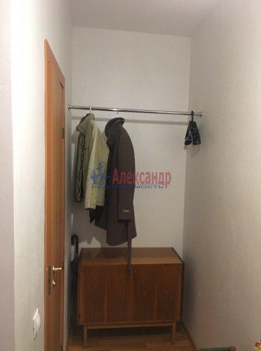 2-комнатная квартира (60м2) на продажу по адресу Юнтоловский пр., 53— фото 5 из 19