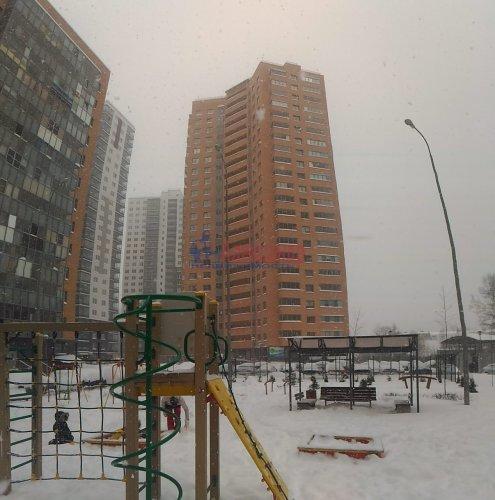 1-комнатная квартира (38м2) на продажу по адресу Мурино пос., Привокзальная пл., 1— фото 8 из 9