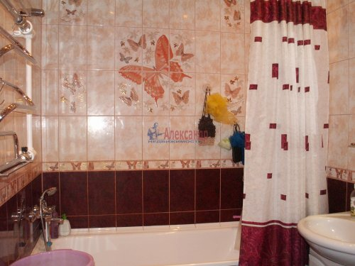 2-комнатная квартира (60м2) на продажу по адресу Доблести ул., 17— фото 13 из 21