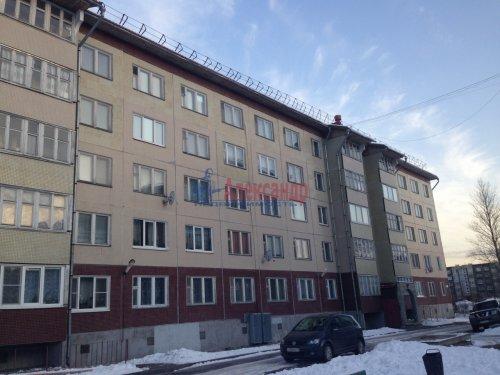 2-комнатная квартира (50м2) на продажу по адресу Приозерск г., Гоголя ул., 54— фото 1 из 5
