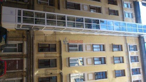 Комната в 5-комнатной квартире (167м2) на продажу по адресу Бакунина пр., 7— фото 2 из 3