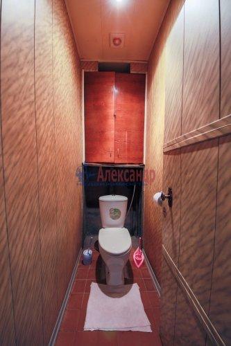 Комната в 9-комнатной квартире (248м2) на продажу по адресу Васи Алексеева ул., 16— фото 10 из 16