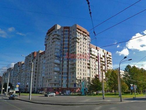 1-комнатная квартира (50м2) на продажу по адресу Ветеранов пр., 122— фото 1 из 10
