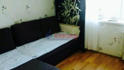 2 комнаты в 8-комнатной квартире (200м2) на продажу по адресу Металлострой пос., Садовая ул., 21— фото 1 из 5