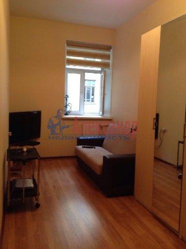 Комната в 4-комнатной квартире (105м2) на продажу по адресу Кирочная ул., 22— фото 1 из 6