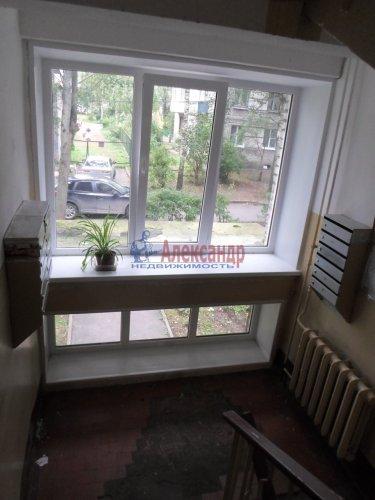 2-комнатная квартира (43м2) на продажу по адресу Павловск г., Гуммолосаровская ул., 25— фото 7 из 7
