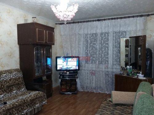 2 комнаты в 16-комнатной квартире (380м2) на продажу по адресу Красное Село г., Гвардейская ул., 25— фото 1 из 9