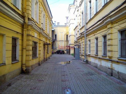 Комната в 7-комнатной квартире (152м2) на продажу по адресу Галерная ул., 43— фото 2 из 5