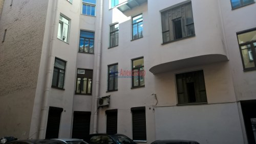 Комната в 5-комнатной квартире (142м2) на продажу по адресу Невский пр., 95— фото 14 из 16