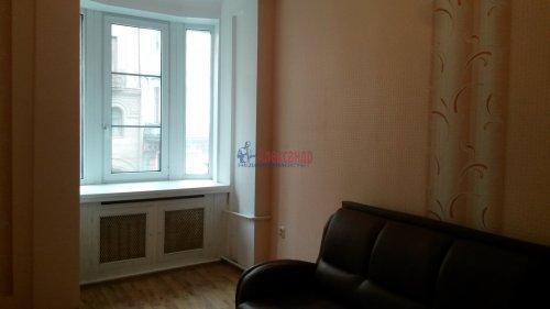Комната в 16-комнатной квартире (428м2) на продажу по адресу Каменноостровский пр., 44— фото 2 из 11