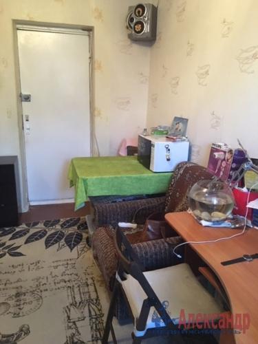 Комната в 12-комнатной квартире (232м2) на продажу по адресу Жени Егоровой ул., 3— фото 2 из 16
