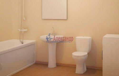 1-комнатная квартира (36м2) на продажу по адресу Мурино пос., Привокзальная пл.— фото 3 из 4