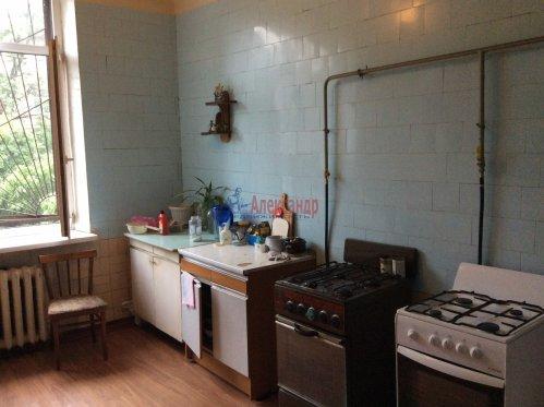 Комната в 10-комнатной квартире (190м2) на продажу по адресу Севастьянова ул., 12— фото 4 из 8