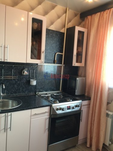 2-комнатная квартира (43м2) на продажу по адресу Пионерстроя ул., 10— фото 10 из 30