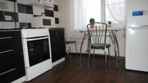 2-комнатная квартира (55м2) на продажу по адресу Сертолово г., Заречная ул., 1— фото 10 из 14