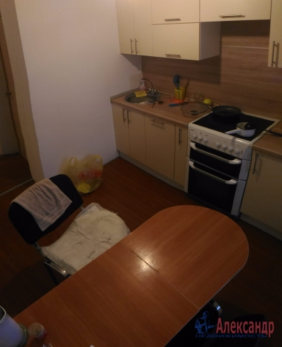 1-комнатная квартира (37м2) на продажу по адресу Мурино пос., Оборонная ул., 2— фото 10 из 23
