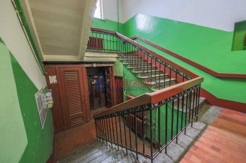 Комната в 9-комнатной квартире (248м2) на продажу по адресу Васи Алексеева ул., 16— фото 11 из 16