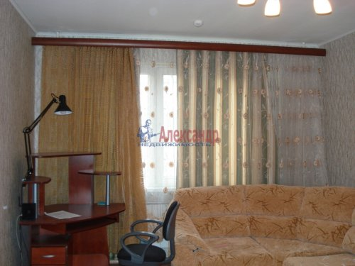 1-комнатная квартира (39м2) на продажу по адресу Оптиков ул., 52— фото 10 из 24