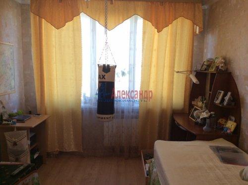 2 комнаты в 4-комнатной квартире (77м2) на продажу по адресу Подвойского ул., 17— фото 1 из 16